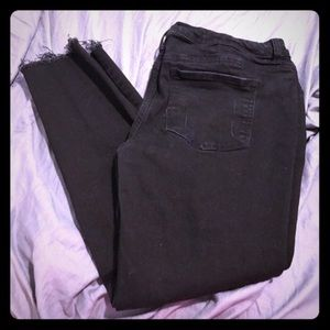 Maurice's black womens distressed skinny jeggings